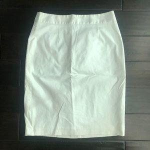 Banana Republic White Pencil Skirt - 6 - NWT